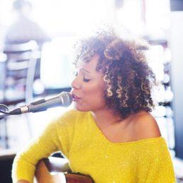Miss Dee, Solo Artist