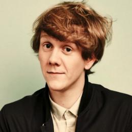 Josh Thomas, Comedian